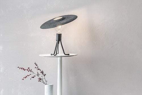 LAMPE DE BUREAU FEUTRINE PIED BLANC
